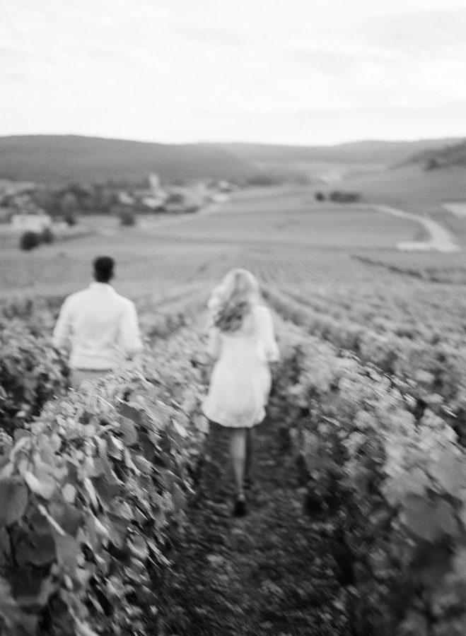 romantic engagement photos burgundy france